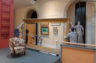 Déménagement des cadres du musée