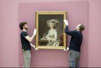 """""""Portrait de femme"""" d'Adélaïde Labille-Guiard en cours d'accrochage au musée d'arts de Nantes"""